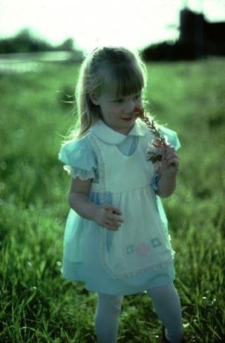 fatherhood--daughter flower girl